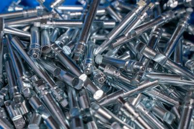 foto minuteria in acciaio AVP zincato mediante tornitura e fresatura